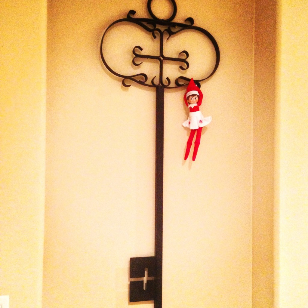 Elf on the Shelf - 25 Ideas
